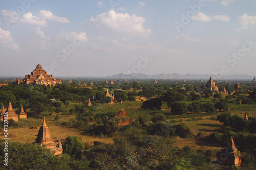 Obraz na plátně High Angle View Of Bagan Temples In Burma
