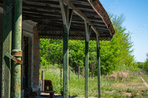 Fotografija Old abandoned train station