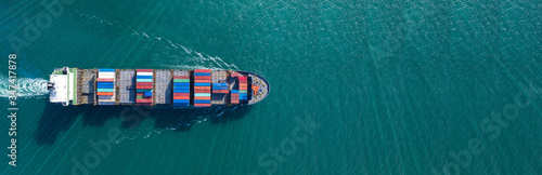 Fotografia Aerial view with filled container ship - import export logistics or transport co