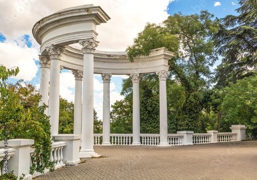 Obraz na plátně Old rotunda on the boulevard in the city of Sevastopol
