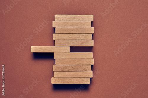 Fotografia Biznesowa koncepcja drewniane klocki ułożone w konceptualnym wizerunku
