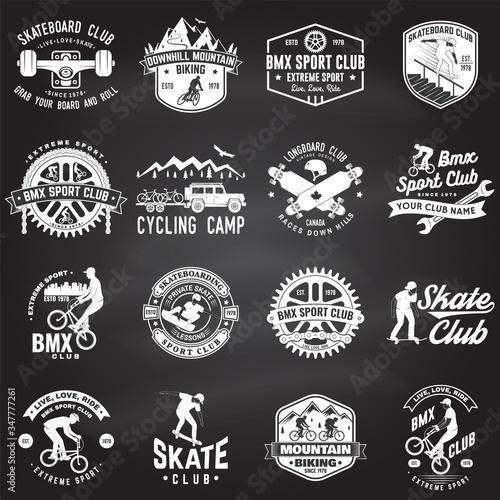 Valokuva Set of bmx, skateboard, mtb extreme sport club badge on chalkboard