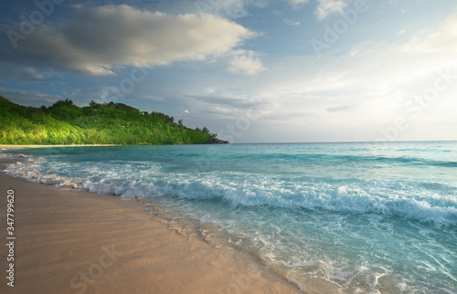 Wall mural - perfect sunset on Seychelles beach