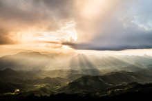 Golden Light Rays From Clouds ...