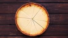 Käsekuchen Auf Holzhintergrund