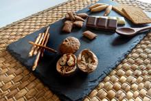 Pan Con Chocolate, Nueces Y Ce...