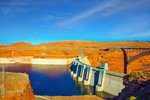 Платно Glen Canyon Dam across the Colorado River