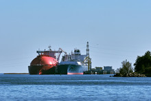 LNG Tanker And Carrier As Floa...