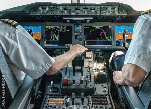 Fényképezés Pilot and copilot in commercial plane