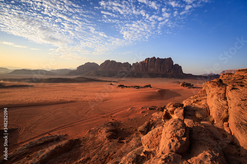 tramonto nel deserto Wadi Rum, Giordania
