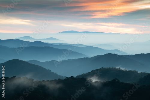 Obraz Cameron Highlands sunrise  - fototapety do salonu