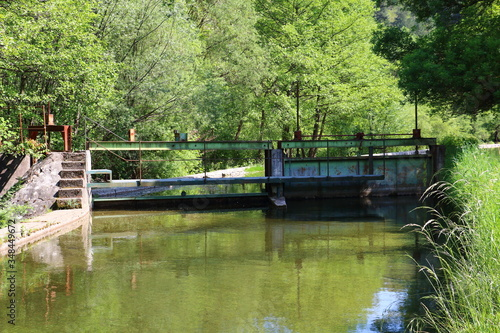 Canal lock in south of France Fotobehang