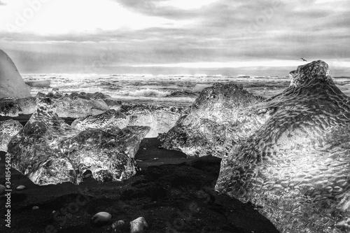 Fototapeta Idyllic Shot Of Icebergs In Glacier Lagoon Against Sky obraz na płótnie