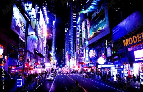 Photo Illuminated City At Night