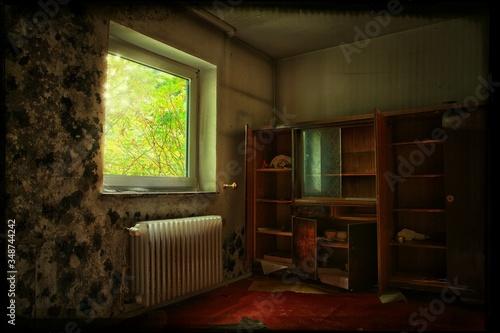 Sunlight Falling In Abandoned Room Fototapet