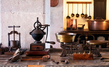 Vintage And Antique Kitchen Ut...