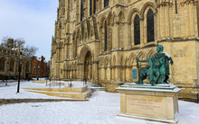 York Minster, Constantine The  Great, Proclaimed Roman Emperor.