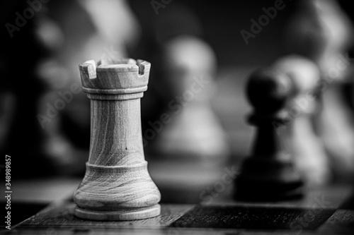 Pièces de jeu d'échecs tour blanche - Jeu  de stratégie en bois Wallpaper Mural