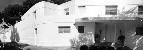 Fototapeta Modern House With Large Patio obraz
