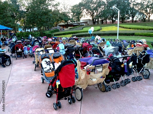 Fototapeta Large Group Of Baby Strollers In Rows obraz