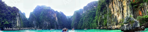 Obraz na plátně Panoramic View Of Phi Phi Island