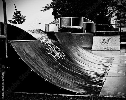 Foto Empty Skateboard Ramp