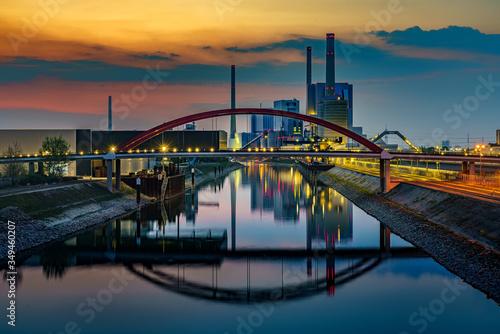 Photo Grosskraftwerk Mannheim zur goldenen Stunde