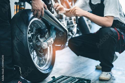 Bike repair Tablou Canvas