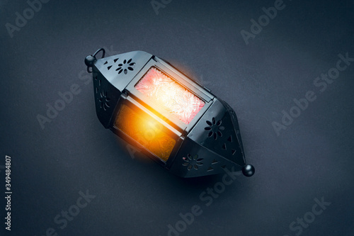 Photo Lantern lamp on black background.