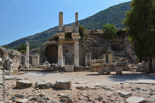 Fototapeta The ruins of the ancient city of Ephesus in Turkey