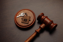 Judge Gavel And Key Chain In S...
