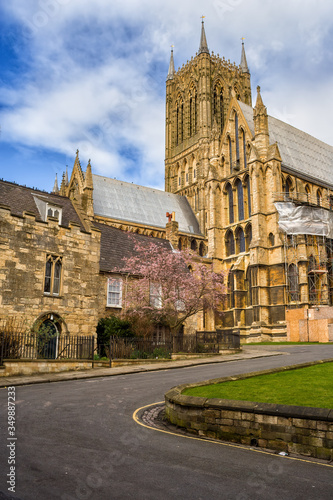 Photo Winding Road To Lincoln Cathedral In England, United Kingdom