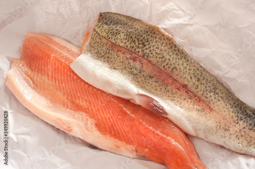 Fotomural High Angle View Of Rainbow Trout Fillets On Paper