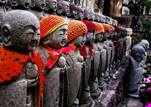 Stone Buda With Scarf And Wool...
