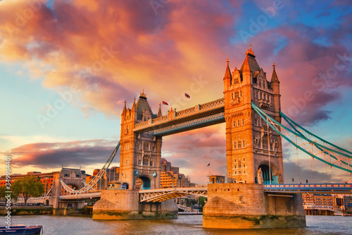 Tower bridge at sunset, London Canvas-taulu