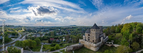Cuadros en Lienzo Panoramic aerial drone view on Bedzin and castle on the hill.
