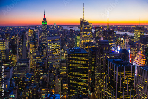 Canvastavla Empire State Building Amidst Cityscape Against Sky During Sunset At Manhattan