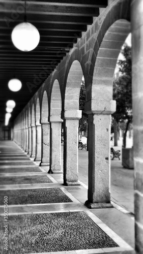 Canvas Print Passage And Colonnade