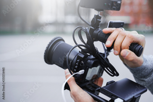 Fotografie, Tablou Videographer with a modern camera rig