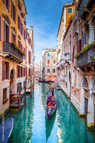 Fototapeta Canal in Venice, Italy obraz