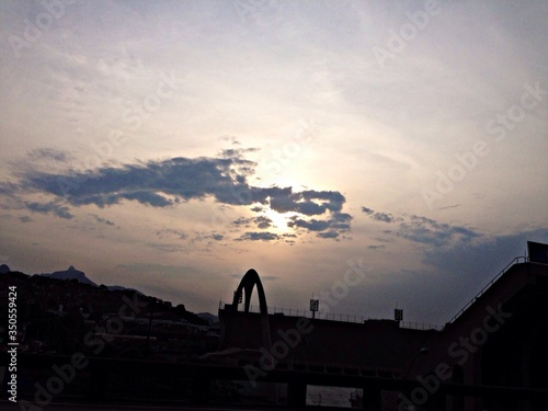Photo Silhouette Apotheosis Square Against Sky At Sunset