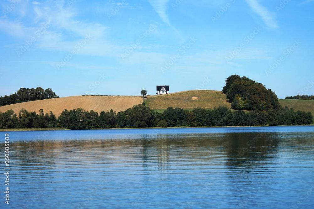 Fototapeta Piękny widok na jęzioro.