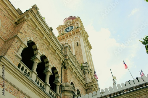 Photo Low Angle View Of Sultan Abdul Samad Building