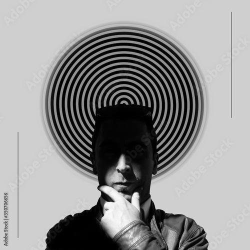 Fotografia Thinking man before spiral
