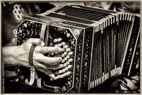 Valokuva Midsection Of Man Playing Accordion