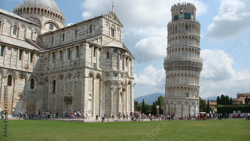 Fotografie, Obraz Leaning Tower Of Pisa And Piazza Dei Miracoli