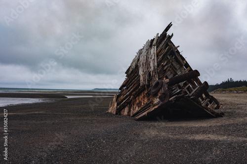 Photo shipwreck on the beach