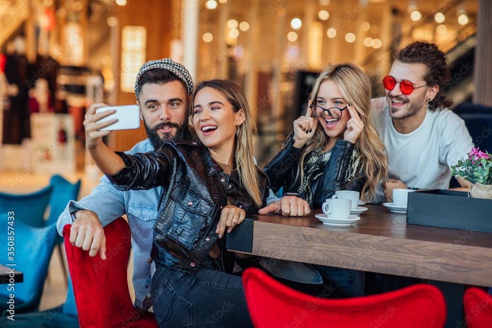 Fototapeta We're celebrating good times and making good memories