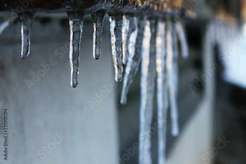 Canvastavla View Of Icicles