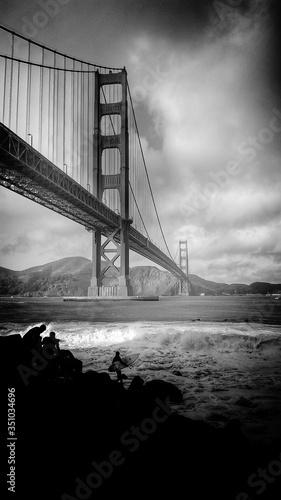 Leinwand Poster Golden Gate Bridge Over Sea Against Sky